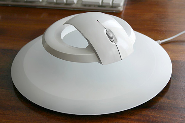 The Bat - flying computer mouse